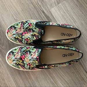 Abound Floral Slip On Sneakers